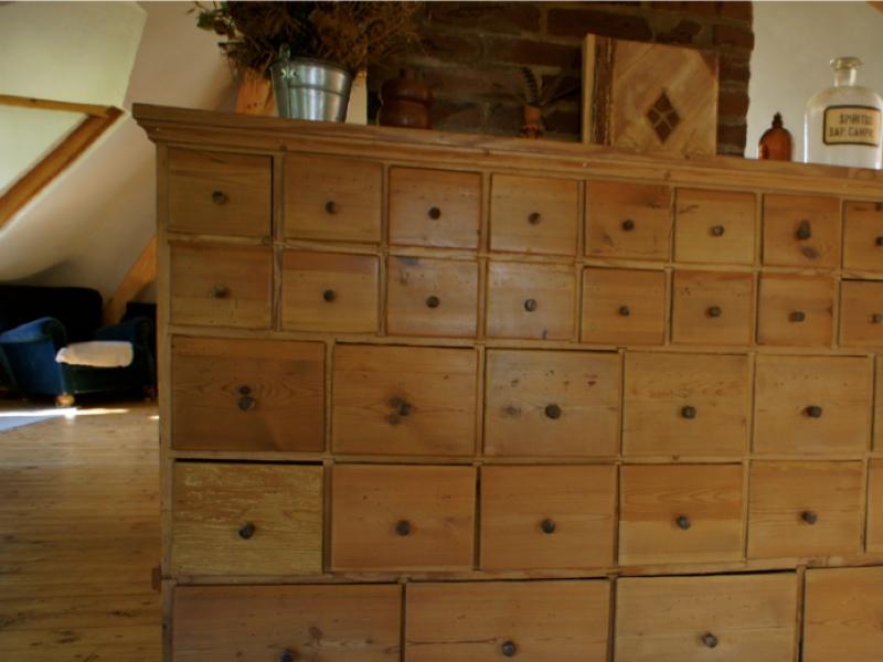 apothekenschrank antik schubladenschrank apotheke schrank schubladenschrank ebay. Black Bedroom Furniture Sets. Home Design Ideas