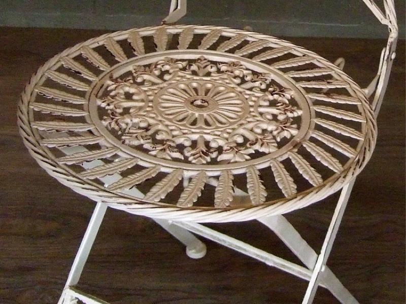romantisch sch ne gartenm bel h bscher tisch mit 2. Black Bedroom Furniture Sets. Home Design Ideas