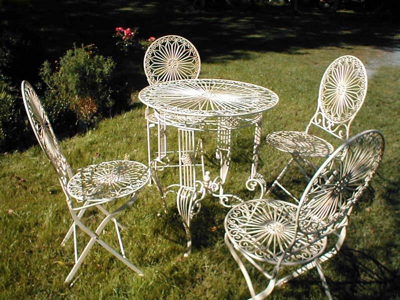 Gartenmobel Gunstig Danisches Bettenlager : Romantische Gartenmöbel im ToskanaStil, klappbar aus Schmiedeeisen