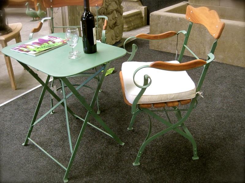 nostalgie gartenm bel armlehnen stuhl mit tisch wie in gro vaters biergarten ebay. Black Bedroom Furniture Sets. Home Design Ideas
