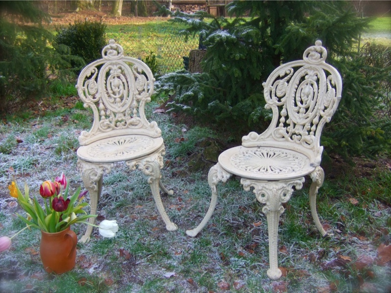 gartenm bel wie aus altem park gusseisen 1 tisch 2 st hle prince of wals ebay. Black Bedroom Furniture Sets. Home Design Ideas